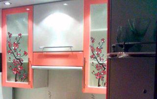 кухонная мебель с витражом Тиффани