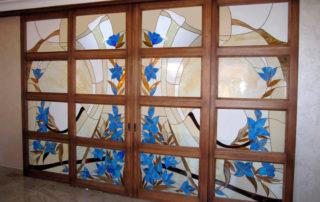 раздвижные двери с витражами
