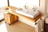 столешница из дерева для ванной комнаты