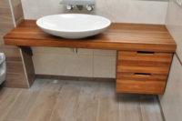 столешница в ванную из массива дерева