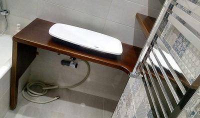 столешница в ванную из лиственницы