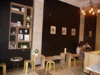 мебель из фанеры для кофейни
